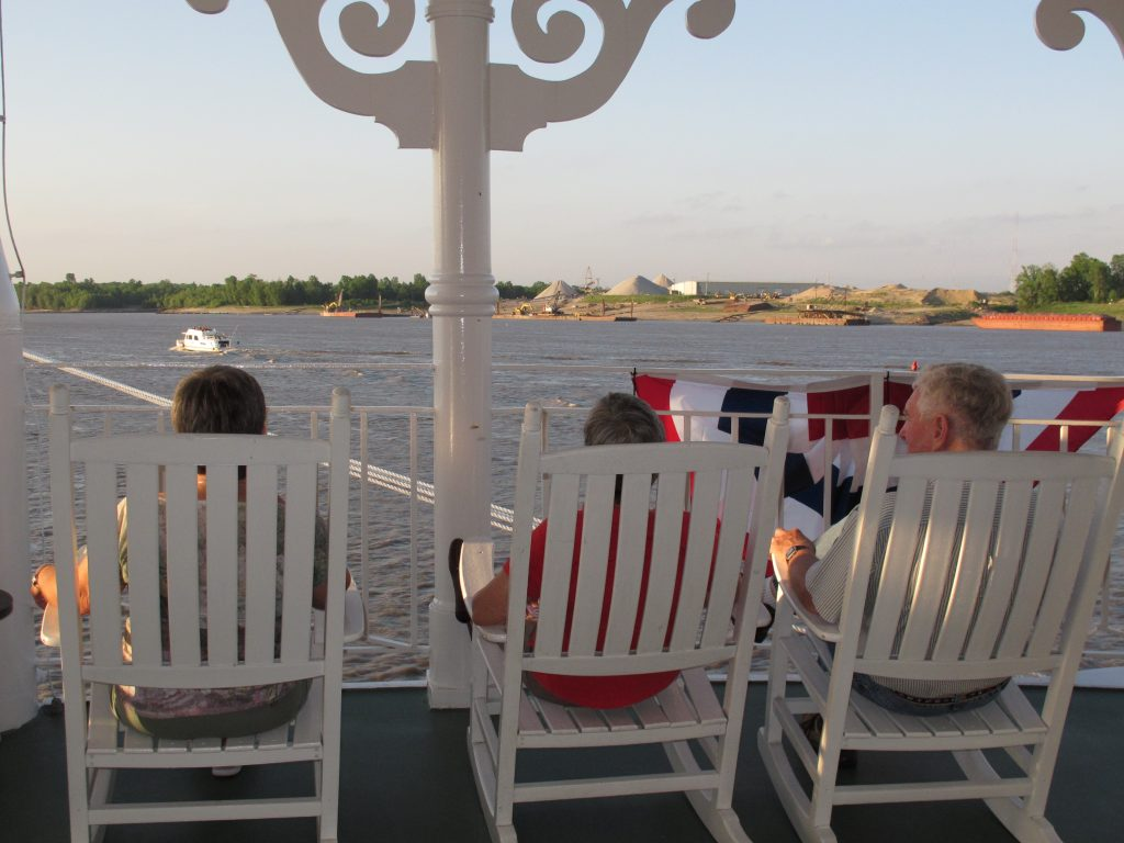 Riverboat cruise, Riverboat crise for seniors, Steamboat cruise for senior citizens, Mississippi River Cruise, cruise for senior citizens