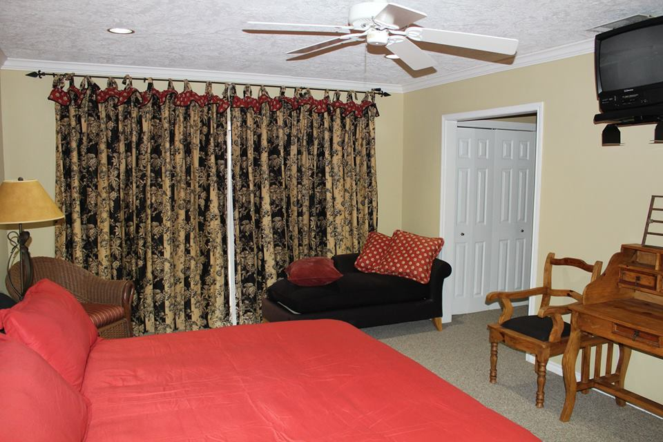 assisted living Jasper TX, assisted living Lufkin, senior apartment Sam Rayburn, senior housing East Texas